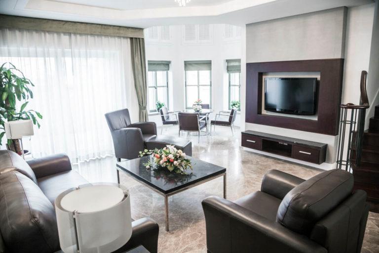 modern-living-room-with-television-P8VKEDV